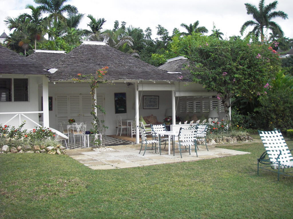 Round Hill villa 94 patio