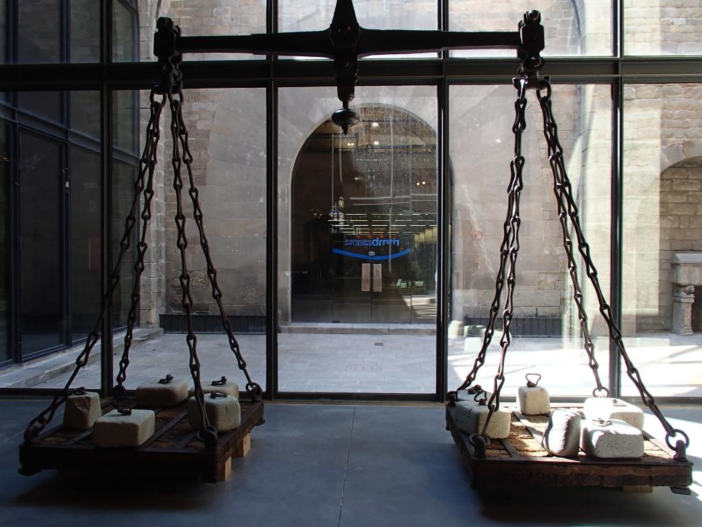 Maritime Museum Barcelona scales